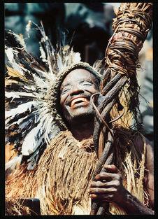 Danseur kébanigi portant un sceptre