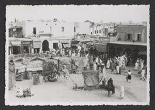 Marrakech, angle de la place Djemaa el Fna