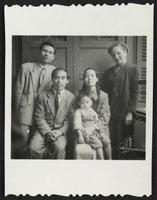 La famille du graveur chinois Jacqueline et Mr Long