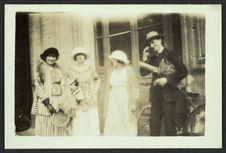 Ermitage [trois femmes et un homme]