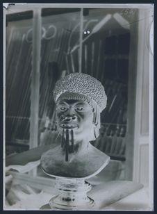 Buste de femme Ouadda. Trocadéro