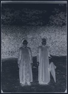Deux femmes indigènes
