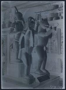 Statue de Geso, Gléglé et Béhanzin