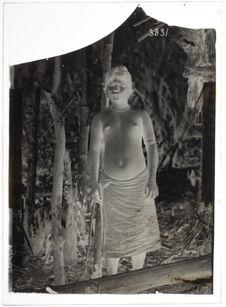 Femme Sakaï à Cheong, sur le Bata-Pada (face)