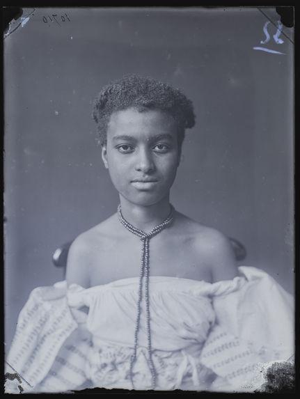 Habitant de Suriname [portrait de femme]