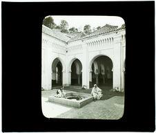 Tlemcen. Mosquée de Sidi-Haloui, cour intérieure