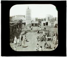 Kairouan. Vue prise sur la place de Tunis