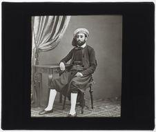 Salomon Meskel [portrait en pied]