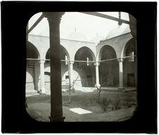 Le Caire. Mosquée Maerica Zaviha. La cour