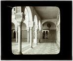 Séville: maison de Pilate. Vue sous la galerie