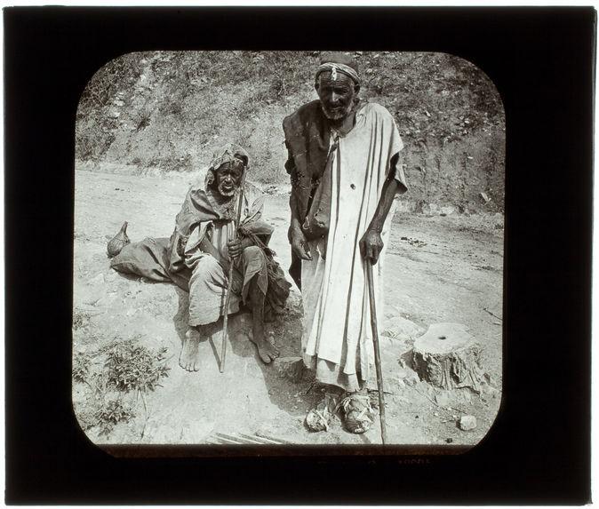 Vie arabe. Types de vieux mendiants
