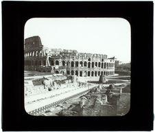 Témoignage des Martyrs. Le Colisée. Extérieur