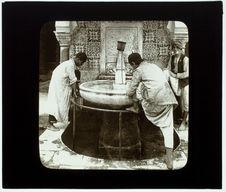 Alger. Djama-el-Kébir. Ablutions à la fontaine de la mosquée