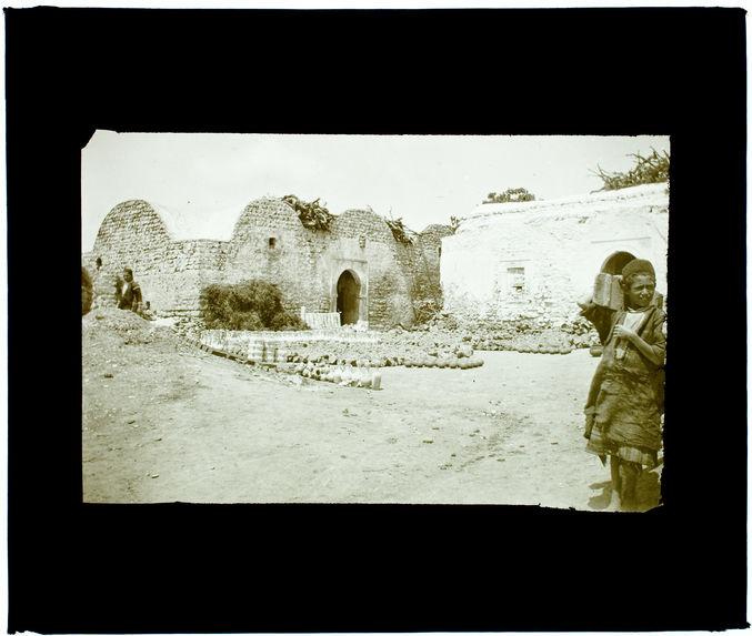 Tunisie. Nabeul. Poteries à enfourner