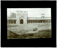 Agra. Galerie et porte d'entrée. Mosquée Perle