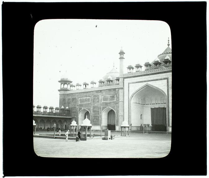 Agra. Jumma Masjid. La grande mosquée