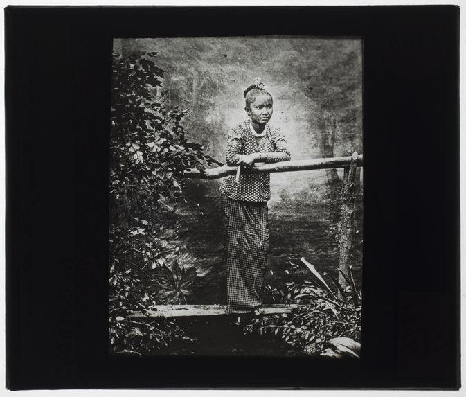 Jeune fille birmane