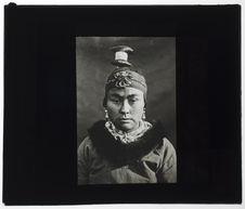 Femme Esquimaude. [Portrait]