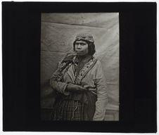 Femme de la tribu des Mics-Macs