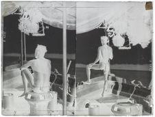 Andamanais (Boulou-Bala) tribu des Bodjindji pilotant une chaloupe