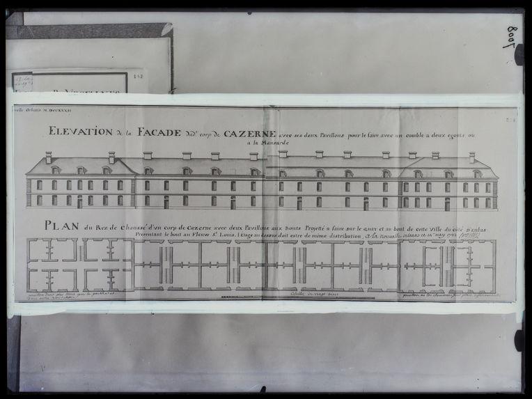 Elévation de la façade du corps de Caserne