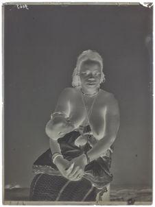 Paï-pi-bri- femme et enfant- face