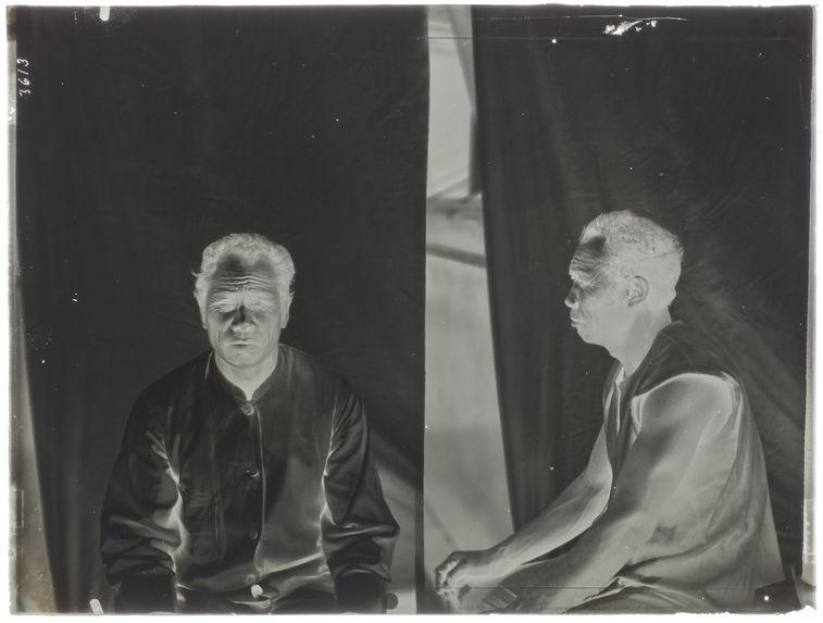 Homme Ora Laut (face et profil) [portrait d'homme]