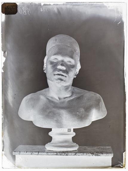 Buste : Noswengo, face