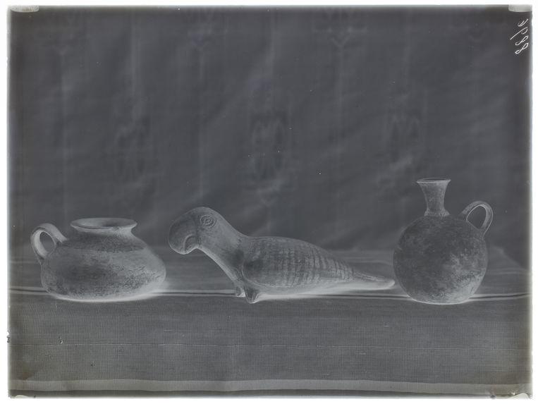 Deux vases et un oiseaux (Huacho) [Céramique]