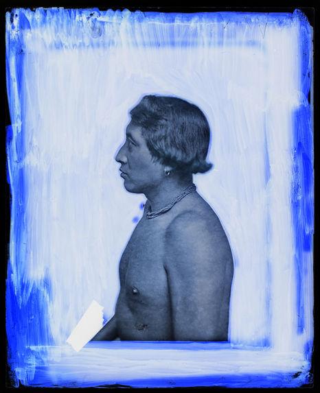 Suriname [Portrait de profil, en buste d'un homme]