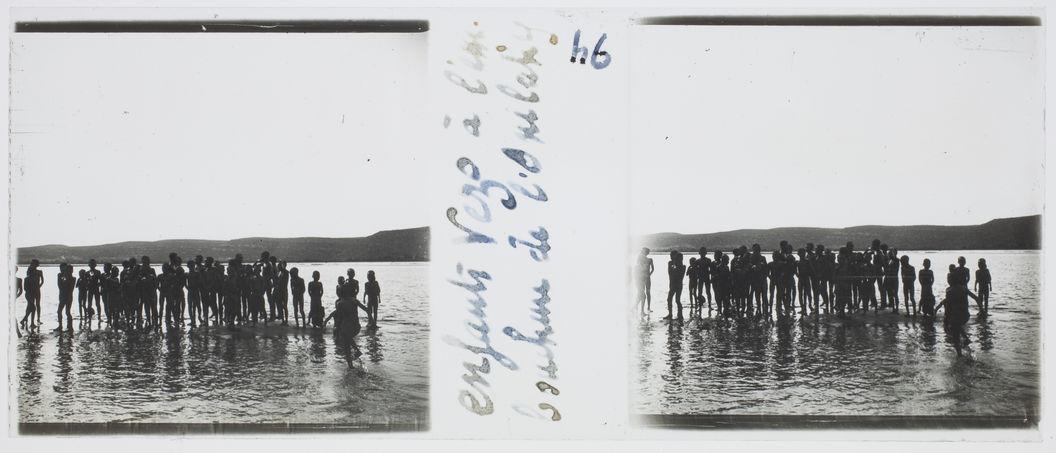 Enfants Vezo à l'embouchure de l'Onilahy