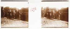 B. D'In Salah au Touat. La plus ancienne kasbah du Touat à l'est de Zaouïet...