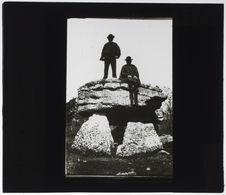 Dolmen, de la pierre Pèse, près de la station de Civrai