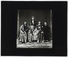Arméniens d'Erzeroum. [Portrait de famille]