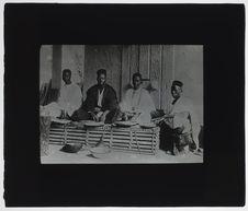 Groupe de Sénégalais. Exposition universelle de 1900
