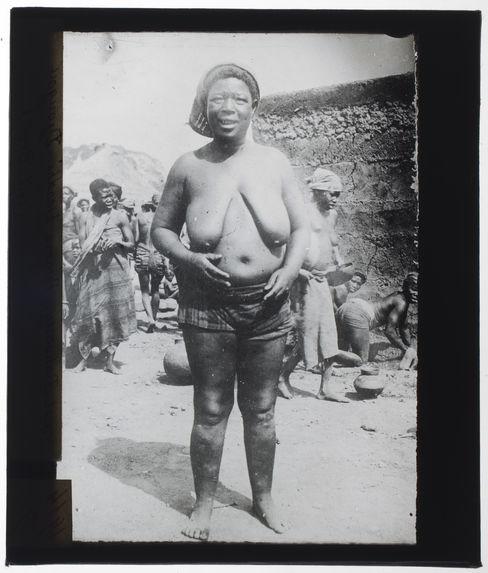 Femme Dendhi-Djougou