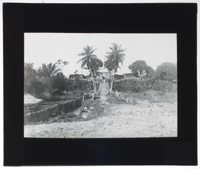Entrée du fort de Dabou