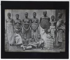Servantes d'un traitant noir de Porto Novo
