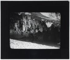Intérieur de la grotte de la sortie de la Mananjeba