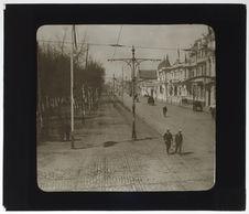 Santiago. Avenue de Las Delicias (Alameda). Bas-côtés, pendant le Centenaire