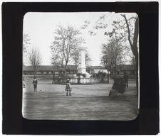 Place de Chillan-Vieux. Monument à O'Higgins