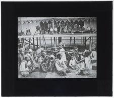 Orchestre birman et théâtre de marionnettes