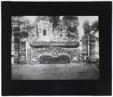 Prah Ko. Linteau récemment découvert