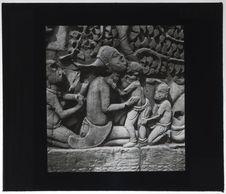 Bas-relief du Bayon. Mère et enfants