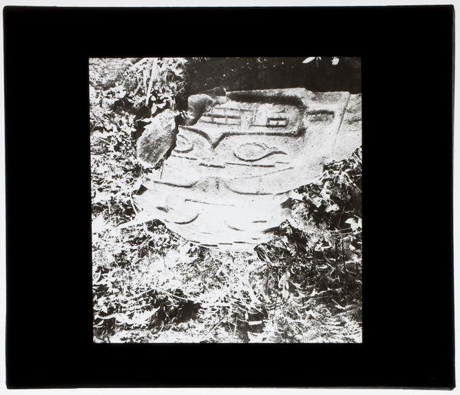 Occidente de la Quebrada de Lavapatas [statue anthropomorphe]