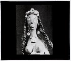 Sans titre [statuette féminine]
