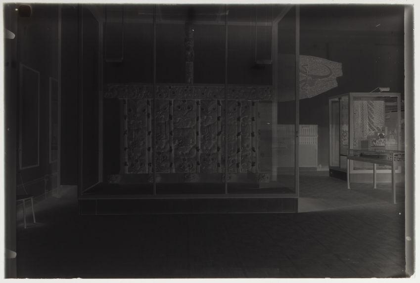 Sarcophage en bois