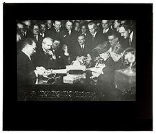 Sans titre [la signature du traité de Lausanne]