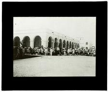 Arrivage de café en fards à la gare du Chemin de fer Franco Ethiopienne