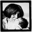 Sans titre [femme Alakaluf et son enfant]